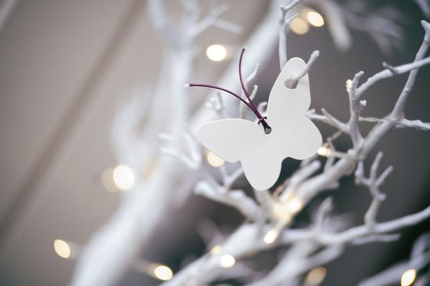 butterfly-on-wishing-tree-druids-glen-resort-real-wedding