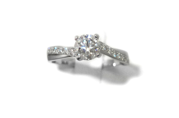 christopher-murphy-jewellers-engagement-ring