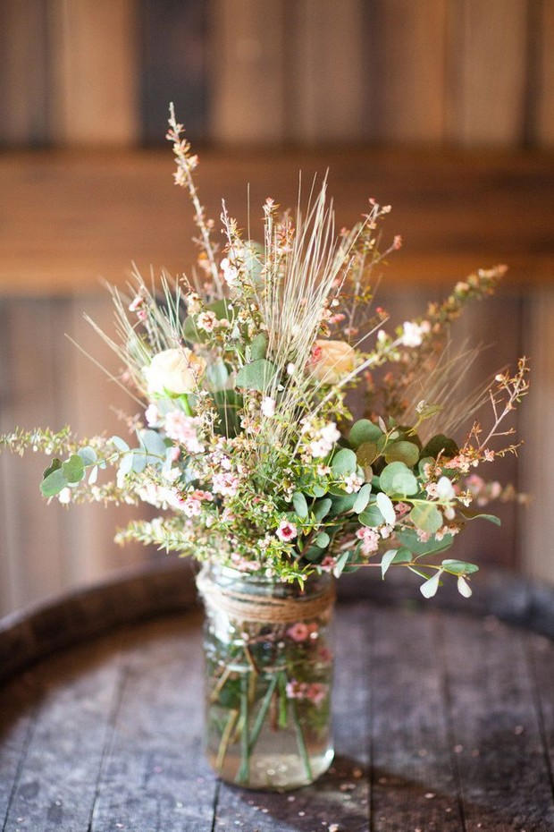country-style-wedding-mason-jar-centerpieces