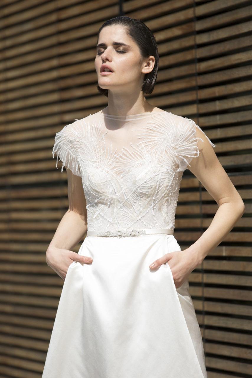 vestido-de-plumas-mira-zwillinger-2015-EVA