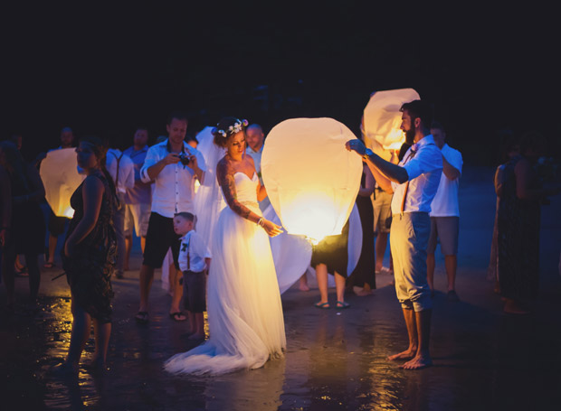 floating-lanterns-wedding