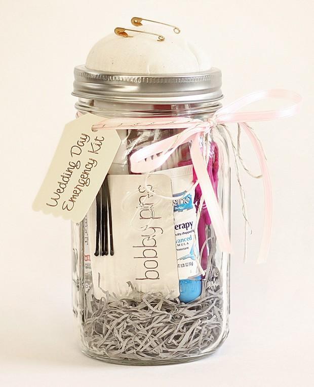 Wedding Emergency Kit: 16 Masterful Mason Jar Wedding Ideas