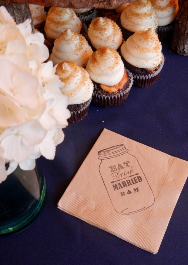 mason-jar-stamped-paper-napkins-wedding