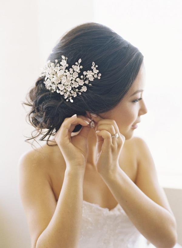 messy-bridal-updo