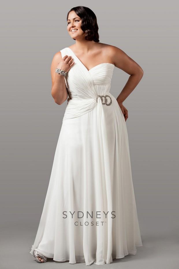 20 amazing plus size wedding dresses weddingsonline for Plus size one shoulder wedding dress