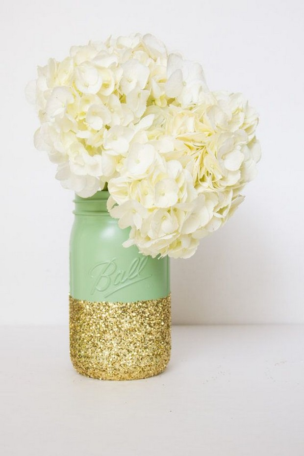 painted-glitter-mason-jars-mint-gold-wedding