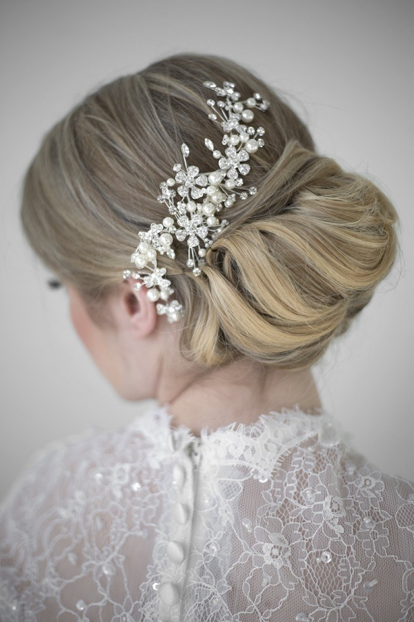 pretty-bridal-updo-wedding-hairstyles