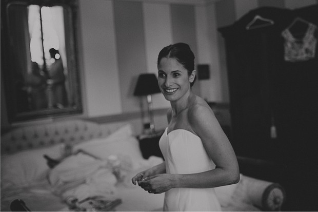 1-black_white_phott_bride_morning