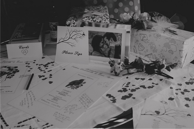 14_wedding_love_theme_table_of_photos