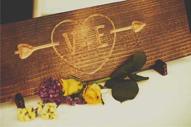 17_italian_themed_wedding_rustic_personalised_wood