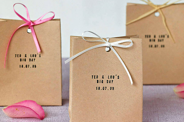 What Diy Magic Can You Do With A Simple Brown Paper Bag Plenty Don T Have To Be Craft Queen Turn Something So Plain Into Fun Little Container