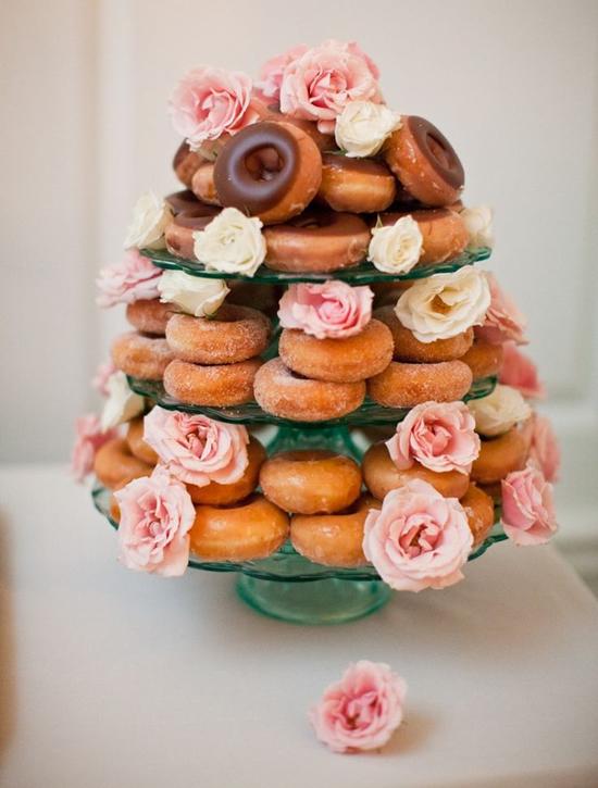 donut_wedding_Cake_alternative_glass_stand