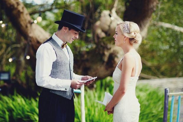 groom_saying_Wedding_vows_irish