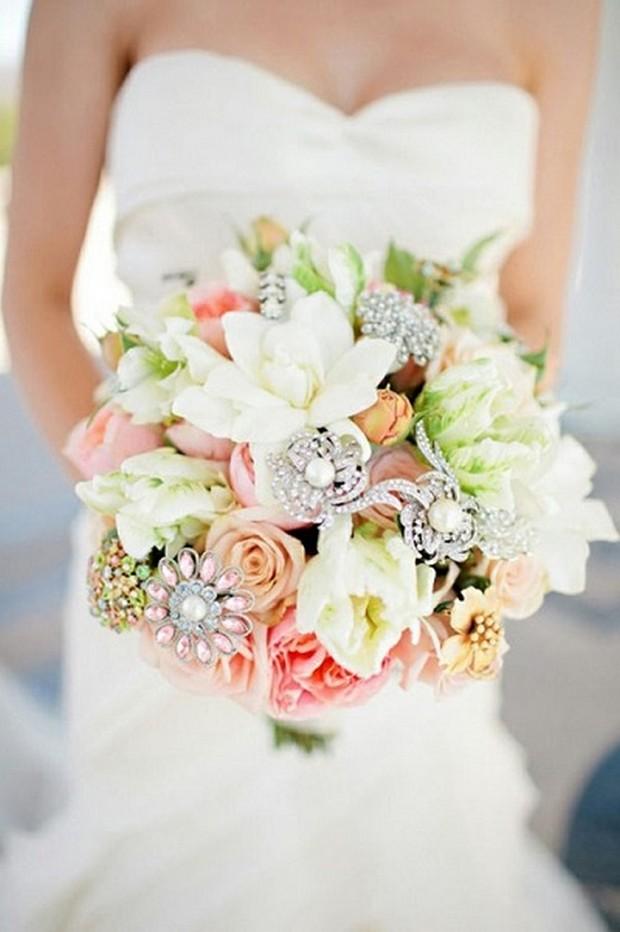 bejeweled-flower-bridal-wedding-bouquet-trends-2014