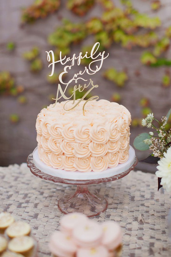 Cream Ruffle Frosted One Tier Wedding Cake