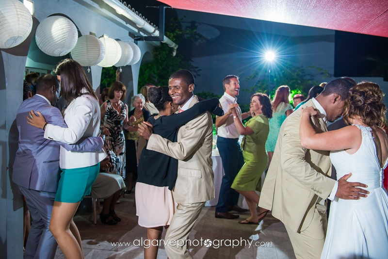 destination_wedding_fun_dancing_guests