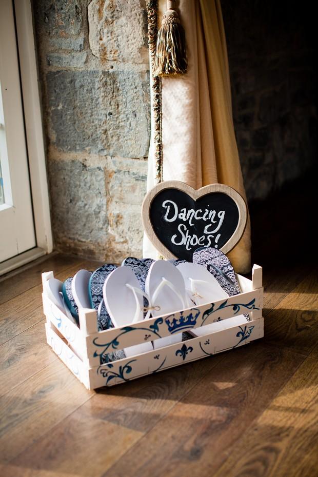 flip-flop-basket-wedding-ideas-dancing-shoes