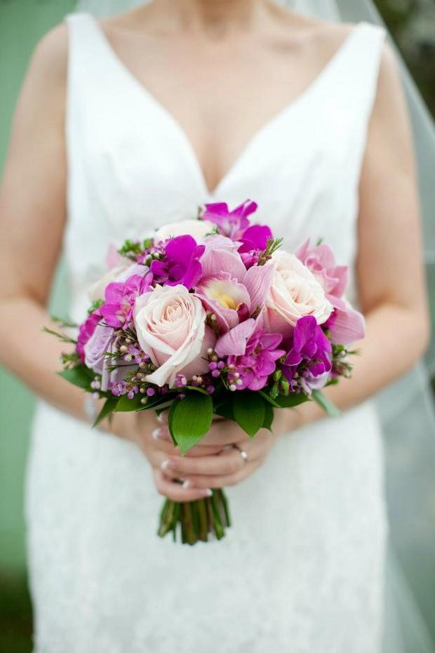 pink_wedding_bouquet_spring_frogprinceweddingdays