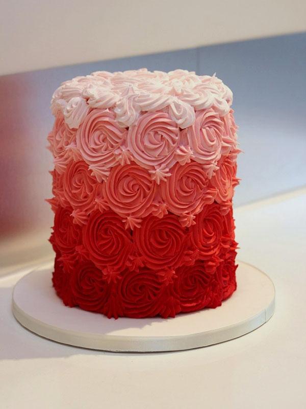 торт с красными розами из крема фото аккуратность, интерес