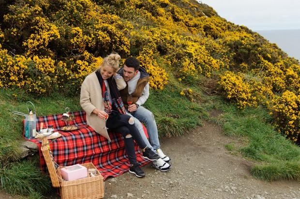 secret-proposal-picnic-howth-dublin7