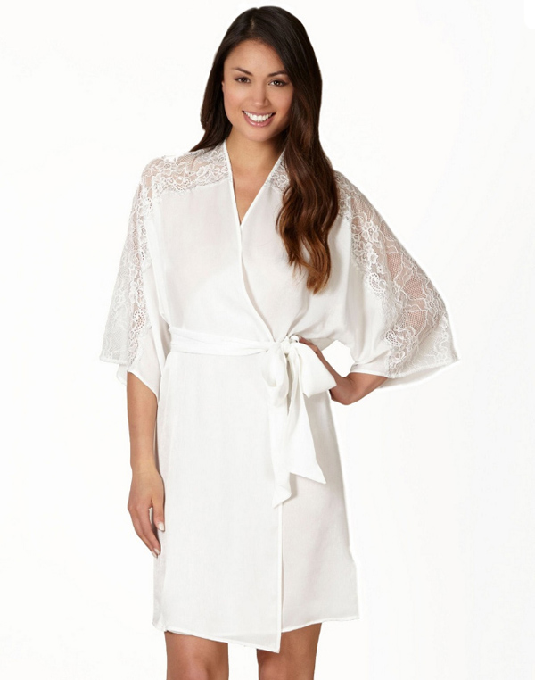 The Prettiest Robes & PJS for Brides | weddingsonline