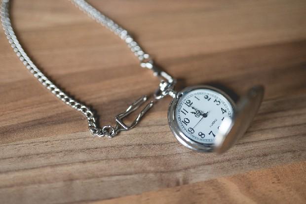 12-silver-vintage-wedding-pocket-watch