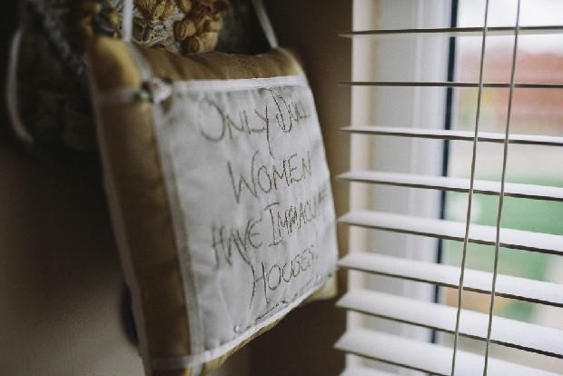 8-dull-women-clean-houses-pillow-novelty