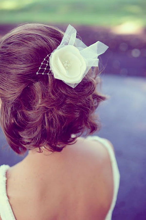 bride-with-short-half-up-half-down-do
