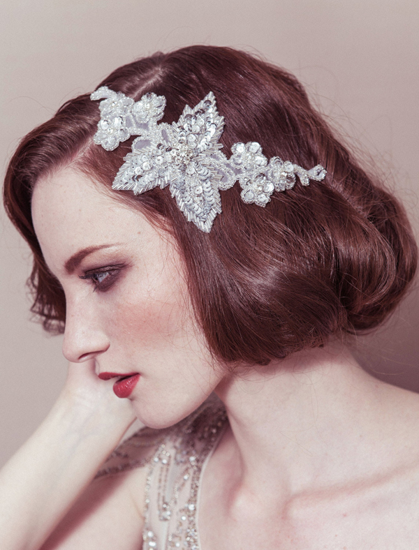 bride-with-wavy-bob-vintage-inspired-hairband