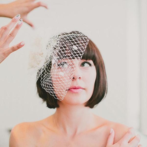 bride-wth-bob-birdcage-veil