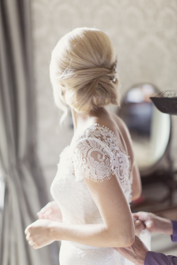 Wedding hairstyles 16 incredible bridal updos weddingsonline elegant bridal updo pmusecretfo Gallery