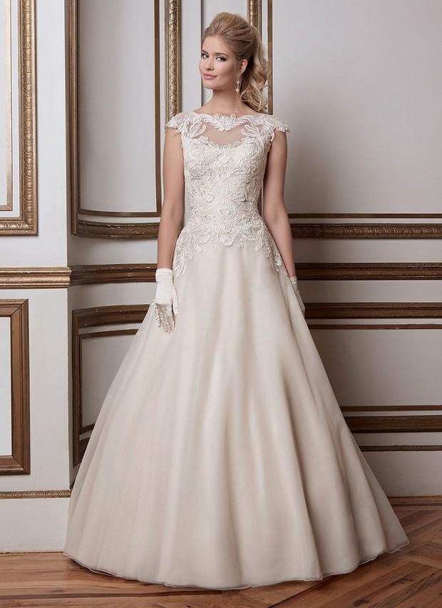justin-alexander-sincerity-style-8789-illusion-lace-neckline-vestido de novia-vestido-de-novia