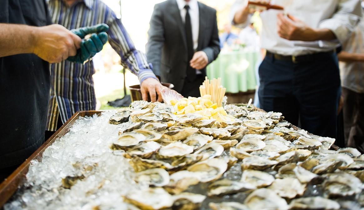 traditional_irish_food_Wedding_oysters_hogislandoysters