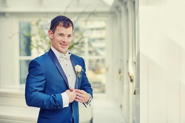 blue-groom-suit-stylish-wedding