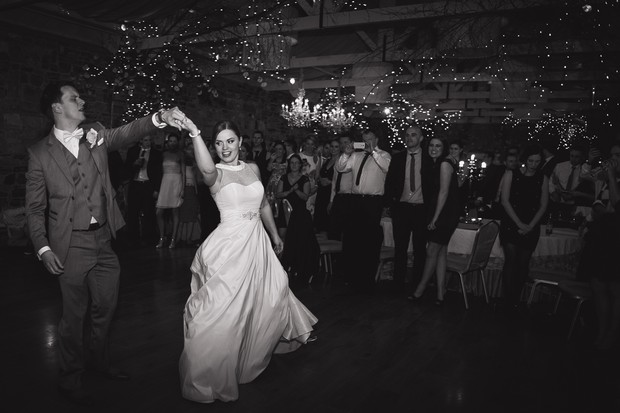 bride-groom-first-dance-photos-black-white (1)