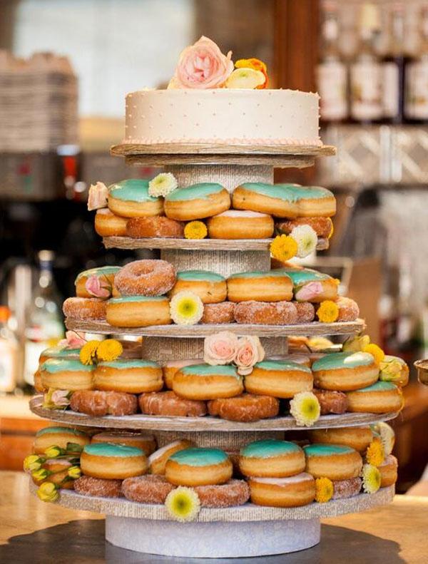 18 Incredibly Fun Wedding Cakes Weddingsonline