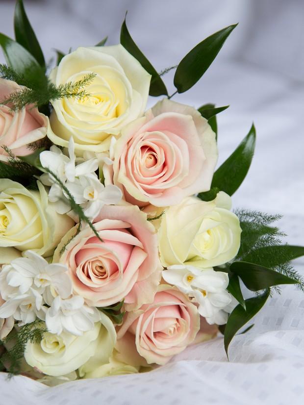 peach-yellow-wedding-bouquet