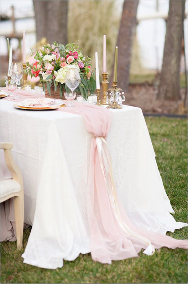 pink-tulle-chiffon-table-runner-wedding