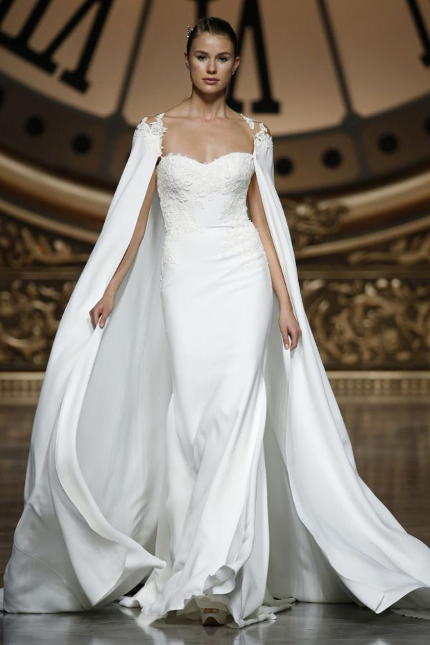 18 incredible bridal capes capelets weddingsonline for Wedding dress with a cape