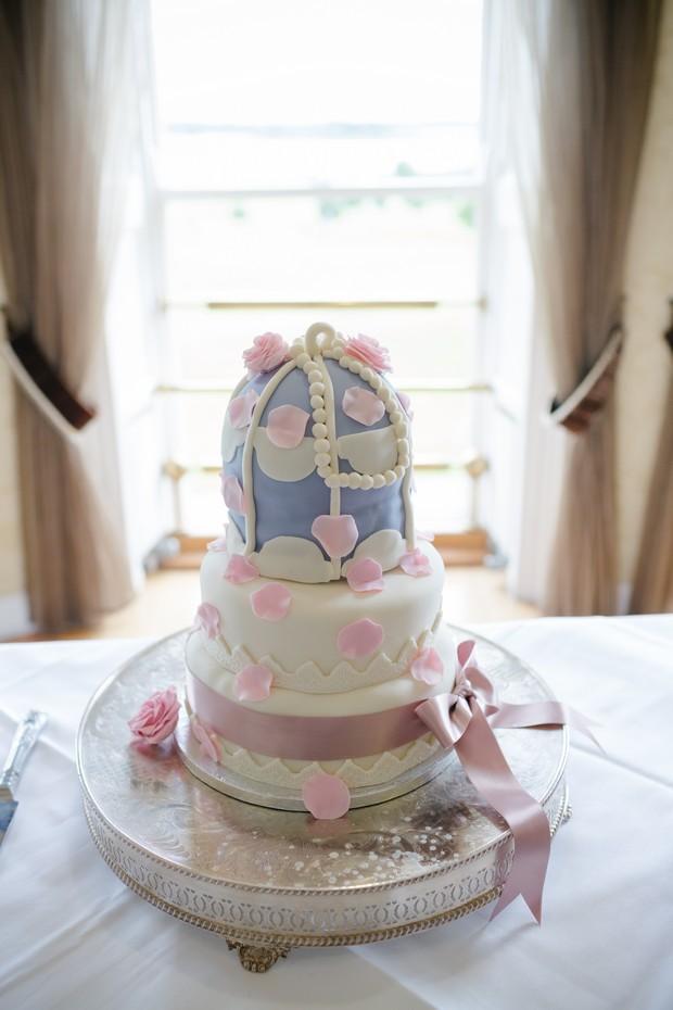 tea-part-style-wedding-cake