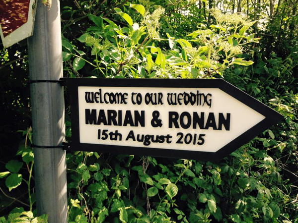 wedding-ceremony-road-sign
