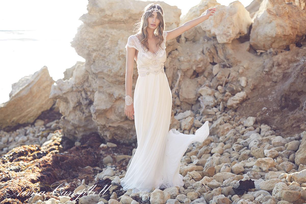 Anna-Campbell-Spirit-vestidos-de-boda-en la playa