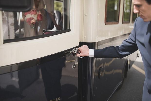 asquith-palace-vintage-bus-wedding-transport-ireland (2)