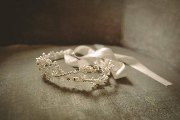 boho-style-wedding-headband-crystal-pearl-vine-tied