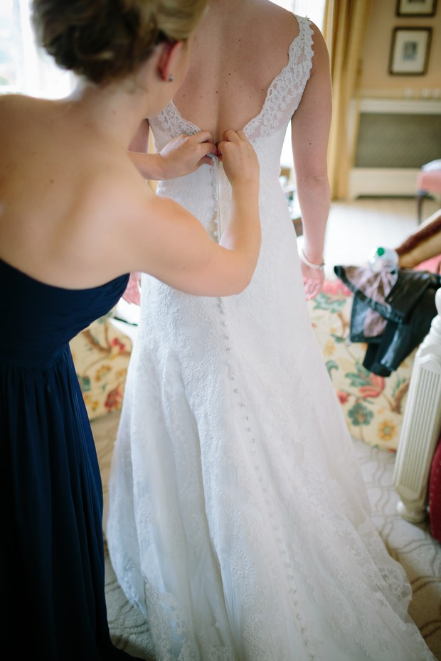 bride-father-walking-to-ceremony-room-hotel-mount-juliet (5)