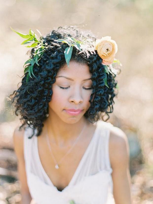 curly-short-wedding-hair-flower-crown-summer-wedding