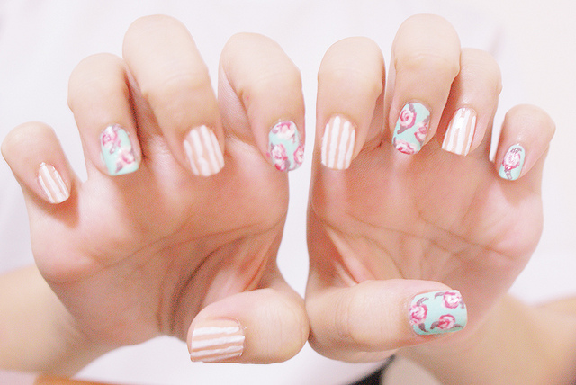 floral-stripe-wedding-manicure-spring