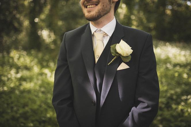 groom-style-wedding-photography-cream-rose