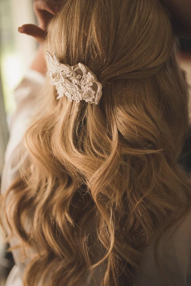 hair-down-wavy-brooch-hair-piece