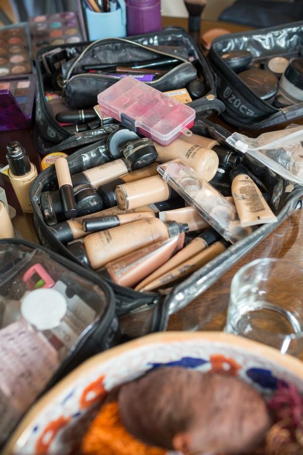 make=up-artist-bag-foundation-mac